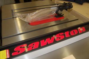 closeup of saw