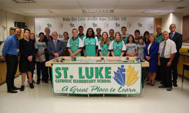 Minister Hunter Visits St. Luke in Hamilton